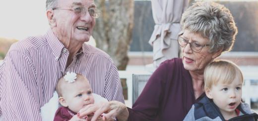 Зачем женщинам раньше на пенсию?