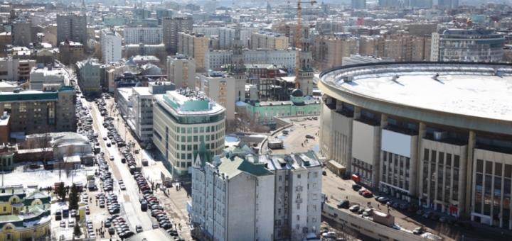"""В Москве сносят """"морально устаревший"""" Олимпийский"""