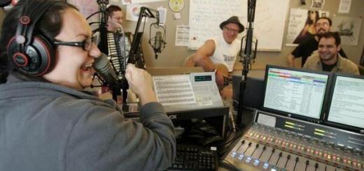 Пять неформатных песен - их не хотели брать на радио, но они стали хитами